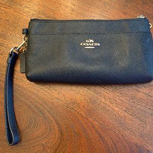 Coach Accordion Zip  Black Leather Wallet